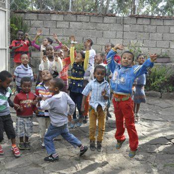 Family Mercy House - Va med och hjälp barn