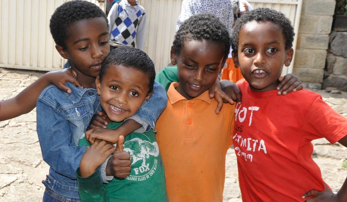 Family Mercy House - Varje barn har rätt att få växa upp tillsammans med en mamma!